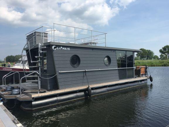 La Mare Houseboat HIMMELBLAU